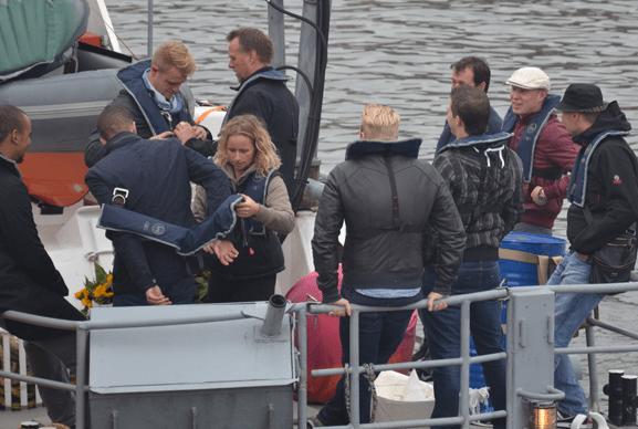 Boot uitvaart Greenpeace schip