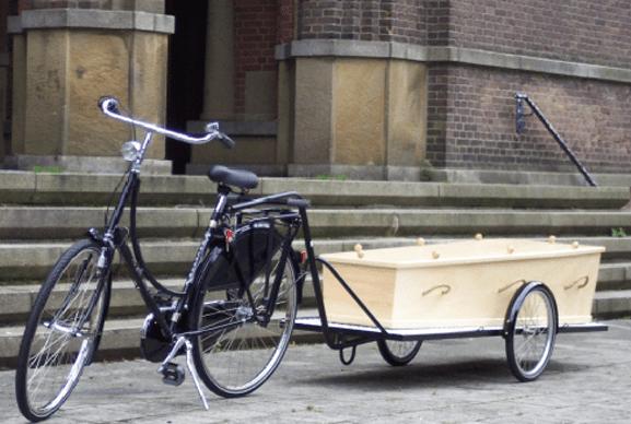 uitvaart met fiets