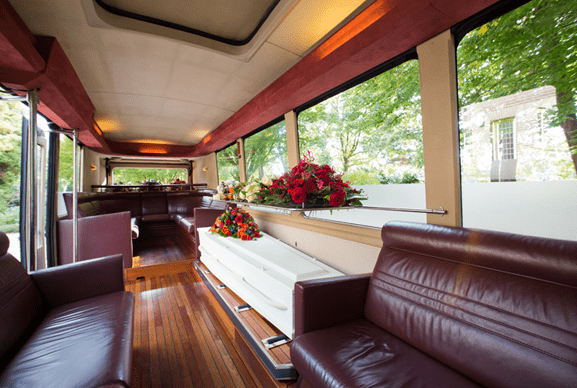 uitvaartbus interieur